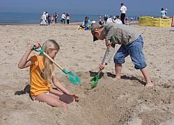 Wiosenne Słońce Bałtyku cieszy dzieci | fot. Gosia
