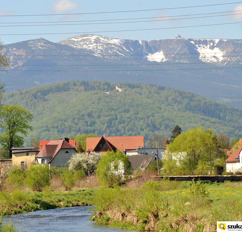 Widok na Chojnik i Karkonosze z Cieplic