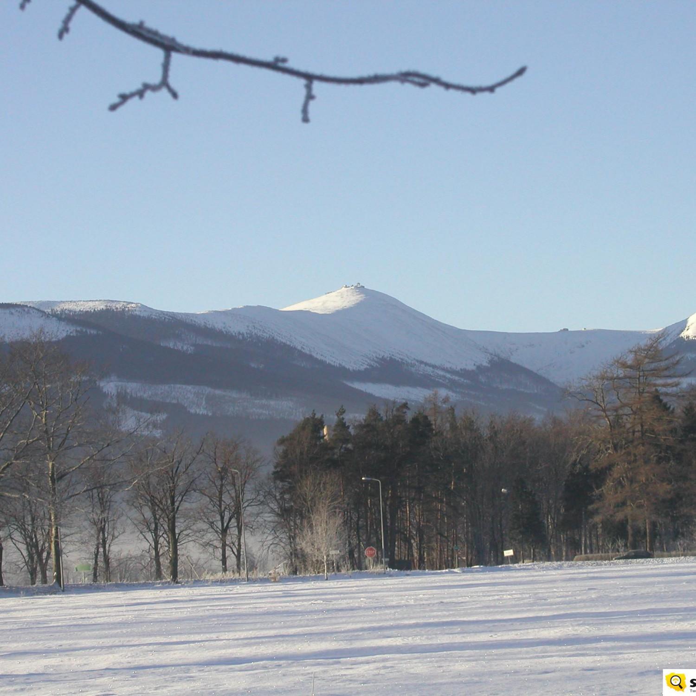 widok na śniezkę z kowar