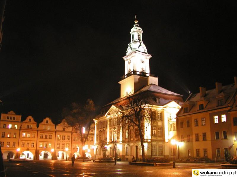 Ratusz nocą Jelenia Góra