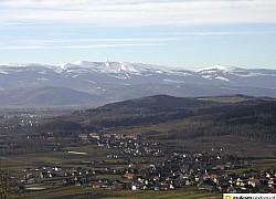 Widok na Jelenią Górę i Karkonosze z Gór Kaczawskich | fot. Tenet
