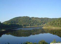 Jezioro Pilchowickie w Górach Kaczawskich | fot. Tenet