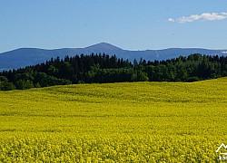Panorama Karkonoszy wiosną | fot. Tenet