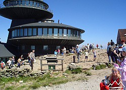Obserwatorium meteorologiczne na Śnieżce | fot. Tenet